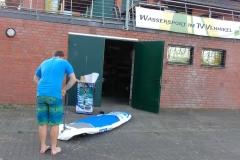 Unsere Vereinsboard liegen immer aufgeblasen für Mitglieder bereit. Für den Transport ist das sehr praktisch..